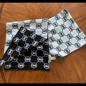 Michael Kors Accessories - NWOT Michael Kors Reversible Scarf Black White